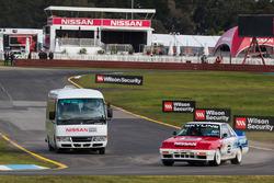 1990 Nissan Skyline GT-R R31 and Nissan circuit safari bus