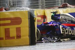 La monoposto di Daniil Kvyat, Scuderia Toro Rosso STR12