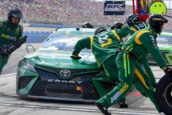 Daniel Suárez, Joe Gibbs Racing Toyota pit stop