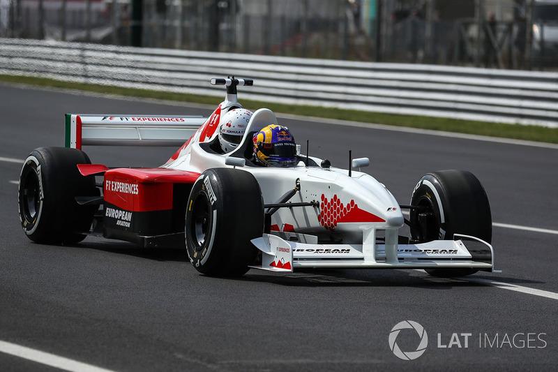 "<img src=""https://cdn-4.motorsport.com/static/img/cfp/0/0/0/0/14/s3/austria-2.jpg"" alt="""" width=""20"" height=""12"" />Patrick Friesacher"
