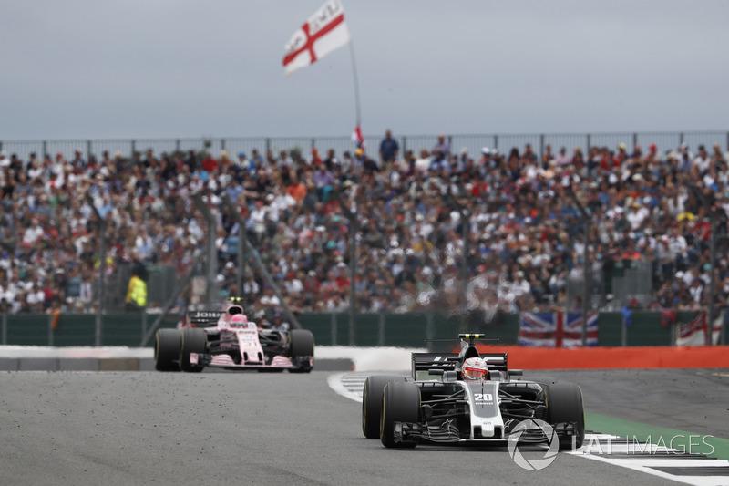 Кевін Магнуссен, Haas F1 Team VF-17, Естебан Окон, Sahara Force India F1 VJM10
