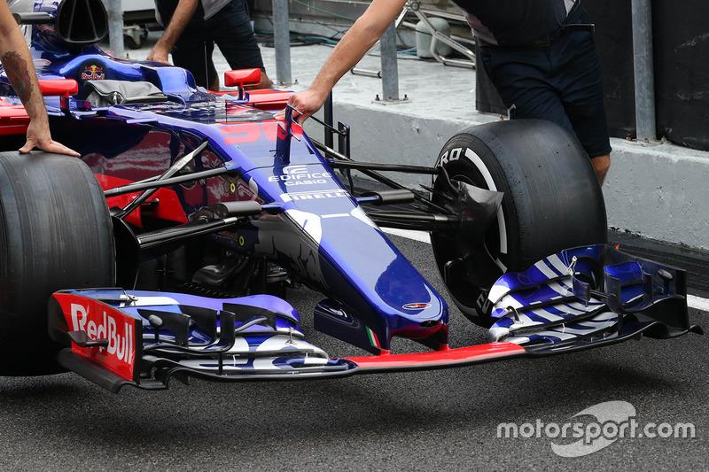 Nouveau nez de la Scuderia Toro Rosso STR12