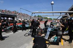 Valtteri Bottas, Mercedes-Benz F1 W08, Lewis Hamilton, Mercedes-Benz F1 W08