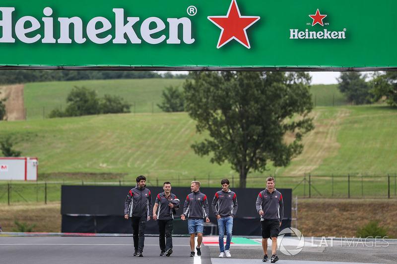 Antonio Giovinazzi, Haas-Testfahrer, Kevin Magnussen, Haas F1
