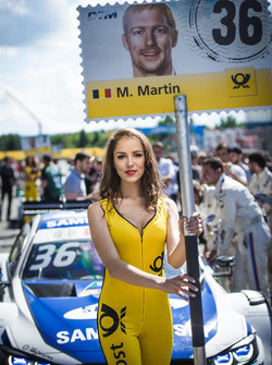 La Grid Girl de Maxime Martin, BMW Team RBM, BMW M4 DTM
