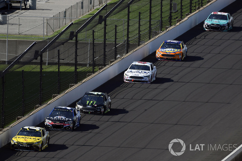 Daniel Suárez, Joe Gibbs Racing Toyota, Kasey Kahne, Hendrick Motorsports Chevrolet, Kurt Busch, Ste