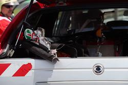 Пошкоджене переднє антикрило Renault Sport F1 Team RS17 Джоліона Палмера