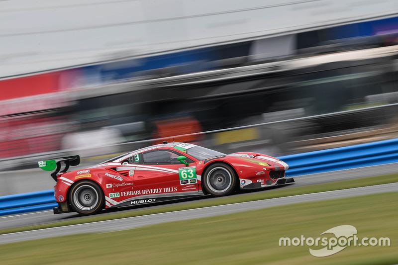 #63 Scuderia Corsa Ferrari 488 GT3: Christina Nielsen, Alessandro Balzan, Sam Bird, Matteo Cressoni