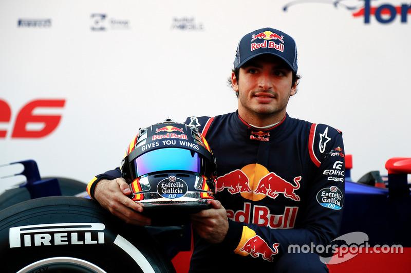 Карлос Сайнс, Scuderia Toro Rosso (2017)
