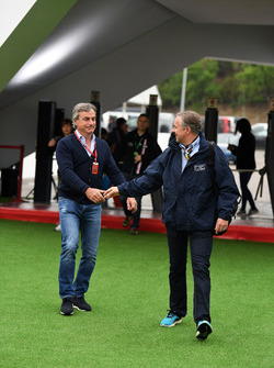 Руководитель команды Scuderia Toro Rosso Франц Тост и Карлос Сайнс