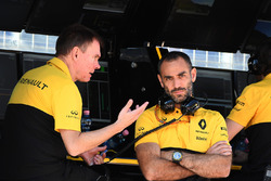 Alan Permane, Renault Sport F1 Team carrera Ingeniero; Cyril Abiteboul, Managing Director de Renault