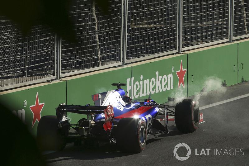 Ausfall: Daniil Kvyat, Scuderia Toro Rosso STR12