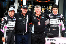 Sergio Perez, Sahara Force India F1; Lutz Hübner, BWT; Otmar Szafnauer; Esteban Ocon, Sahara Force India F1