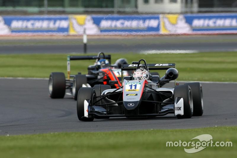 Tadasuke Makino, Hitech Grand Prix, Dallara F317 - Mercedes-Benz