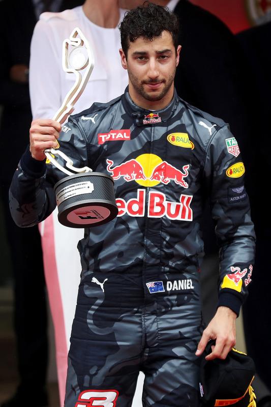 Daniel Ricciardo, Red Bull Racing viert op het podium