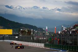 Даниэль Риккардо, Red Bull Racing RB12 и Даниил Квят, Red Bull Racing RB12