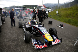 El coche quemado de Niko Kari, Motopark Dallara F312 Volkswagen