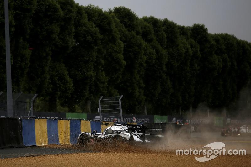Choque de #30 Extreme Speed Motorsports Ligier JS P2 Nissan: Scott Sharp, Ed Brown, Johannes van Overbeek