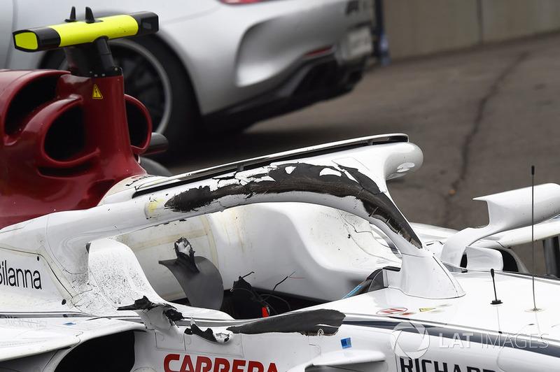 El Halo dañado de Charles Leclerc, Sauber C37