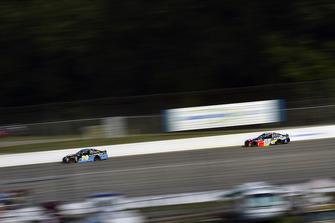 Erik Jones, Joe Gibbs Racing, Toyota Camry Doosan, Alex Bowman, Hendrick Motorsports, Chevrolet Camaro Axalta