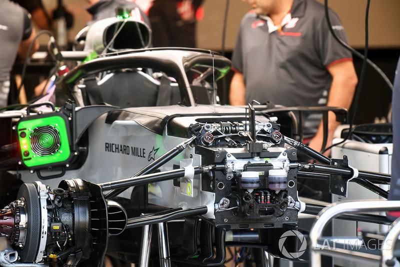 Haas F1 Team VF-18, шасі