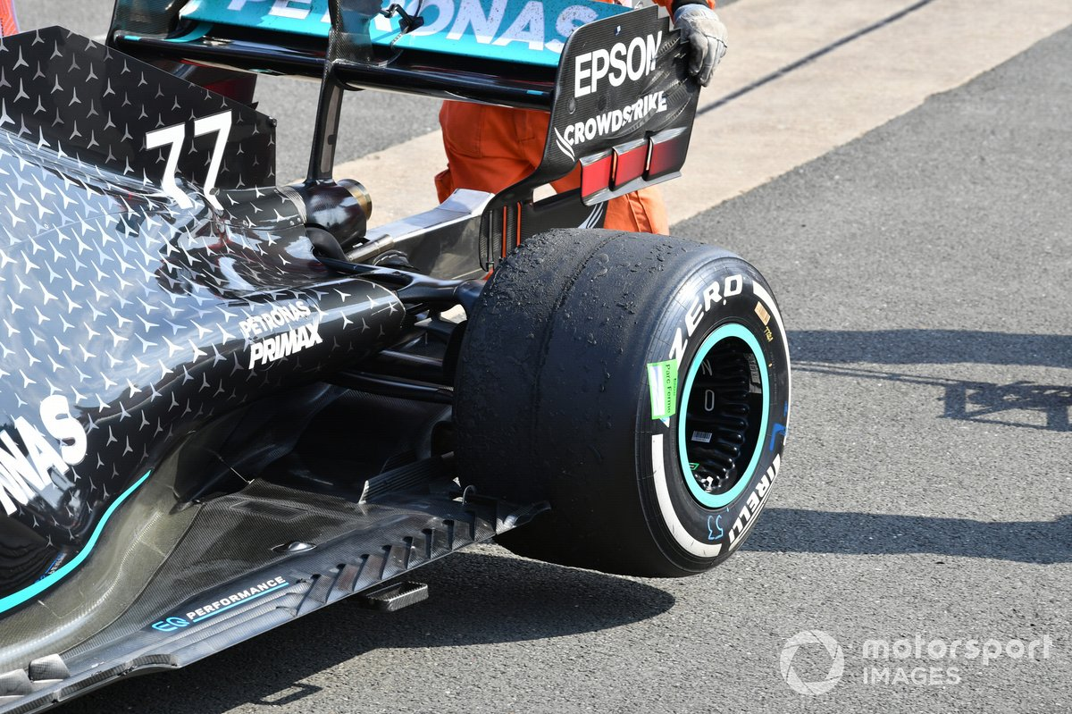 The worn rear tyre on the car of Valtteri Bottas, Mercedes F1 W11, 3rd position
