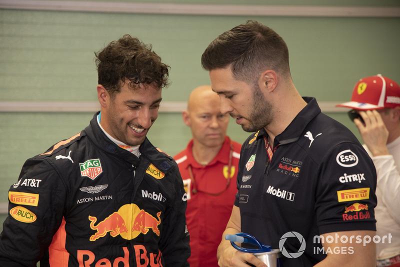 Daniel Ricciardo lideró 17 vueltas en su adiós a Red Bull, el equipo que le ha dado todo en F1. Lamentó que la estrategia le impidiera luchar por la victoria y acabó 4º. Se va a Renault.