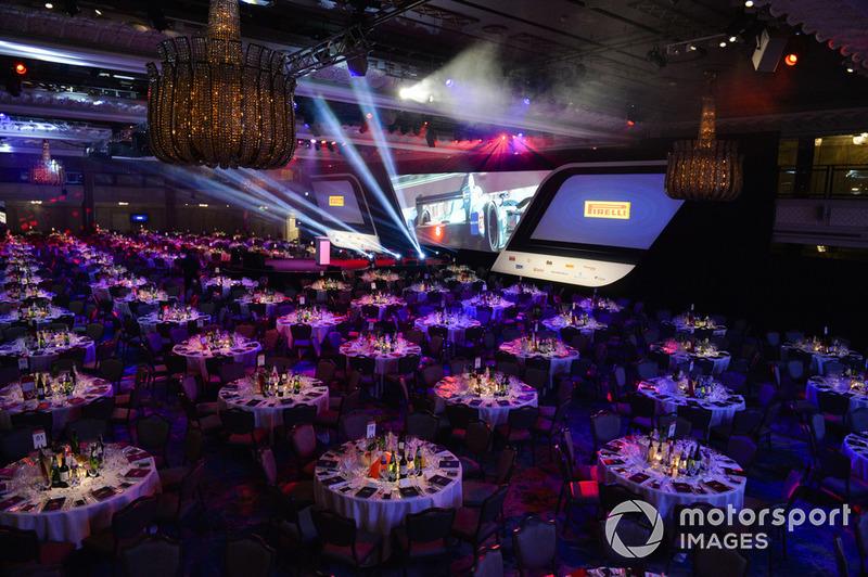 El salón Principal con el patrocinador Pirelli