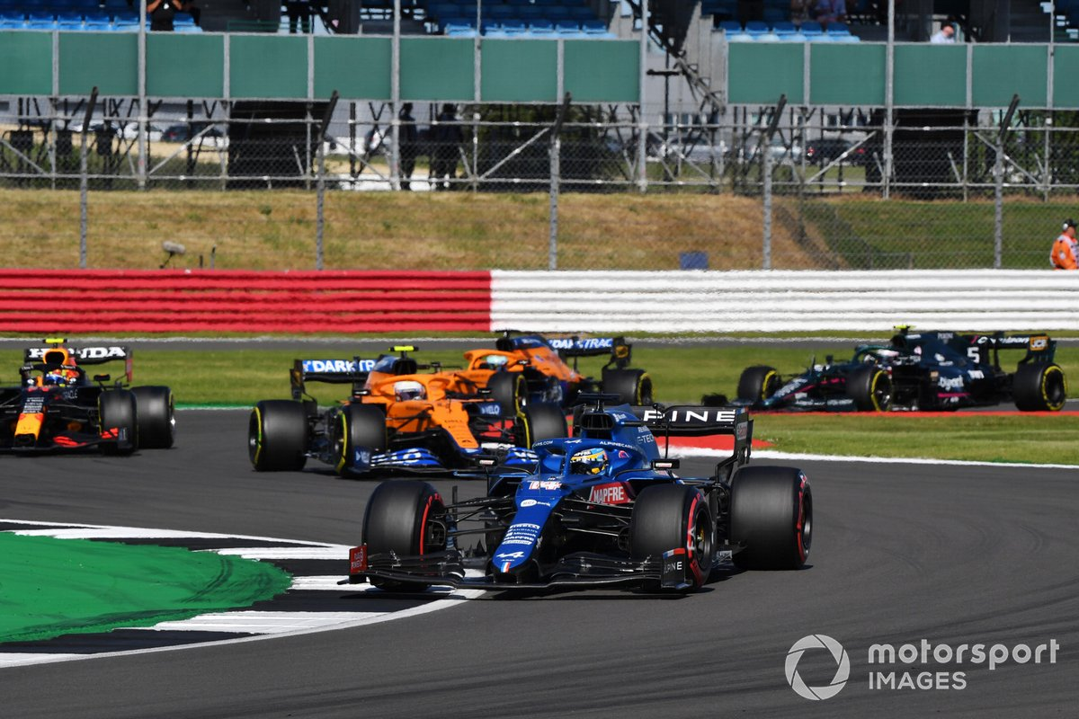 Alonso injected action into the sprint with his contra tyre choice