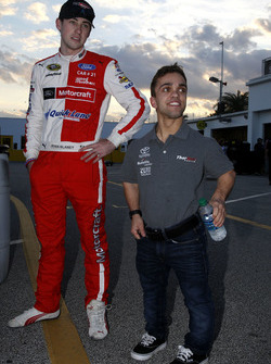 Ryan Blaney, Wood Brothers Racing Ford and Rico Abreu, ThorSport Racing Toyota
