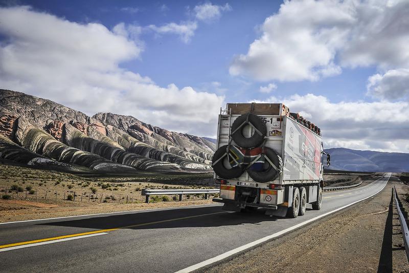 Вантажівка супроводу Toyota Gazoo Racing