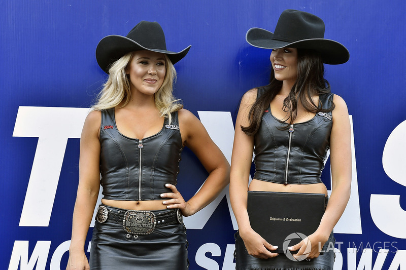 Texas Speedway chicas