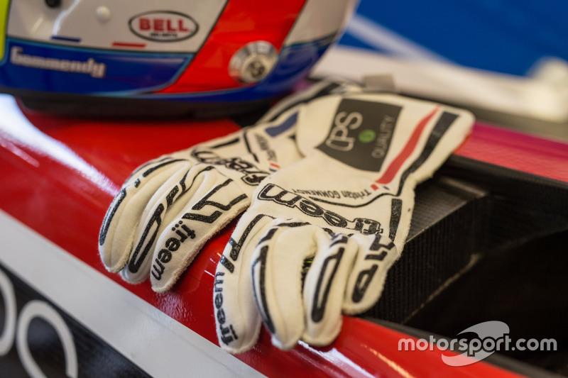 Les gants de Tristan Gommendy