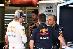 Max Verstappen, Red Bull Racing, Dr Helmut Marko, Red Bull Motorsporları Danışmanı ve Christian Horner, Red Bull Racing Takım Patronu ve  Gianpiero Lambiase, Red Bull Racing Yarış Mühendisi