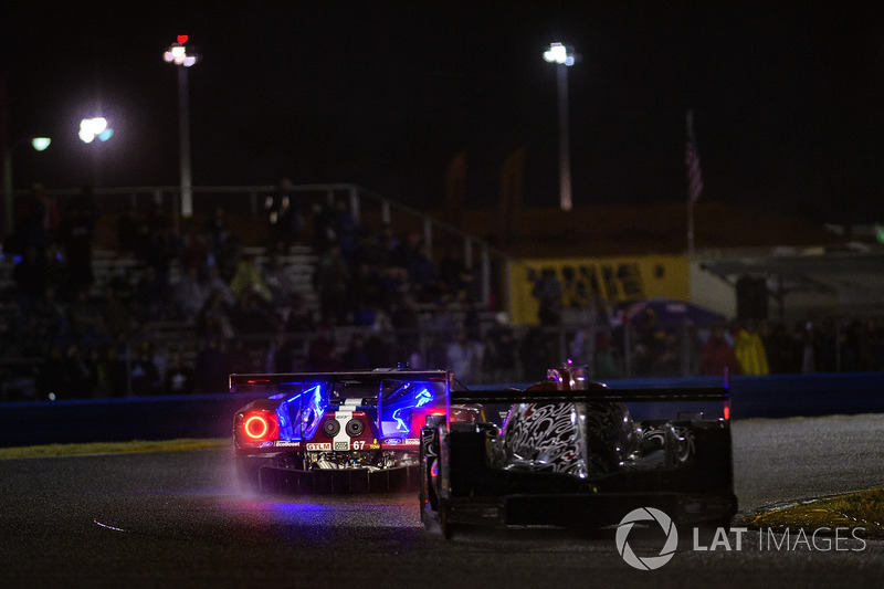 #67 Chip Ganassi Racing Ford GT, GTLM: Райан Бріско, Річард Вестбрук, Скотт Діксон , дощ