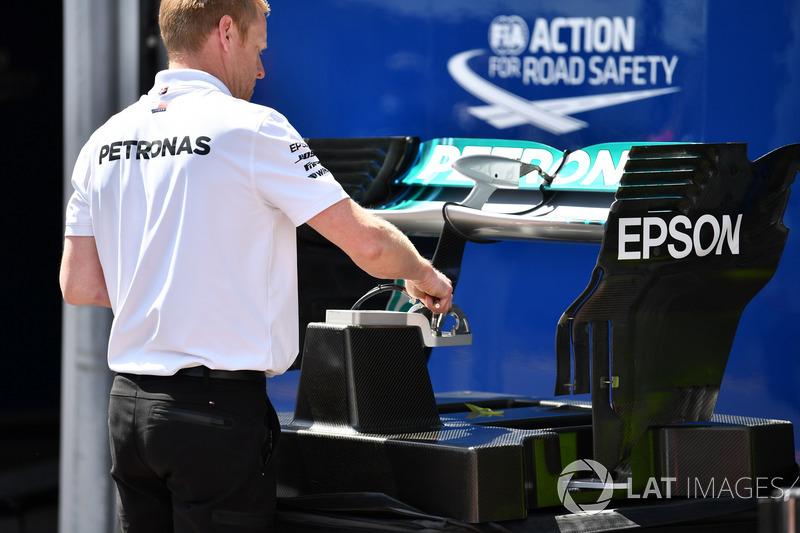 Ala trasera Mercedes-AMG F1 W09