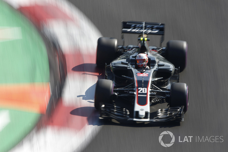 Kevin Magnussen, Haas F1 Team VF-17 (5 abandonos)