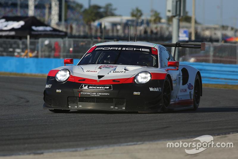 23.- #912 Porsche Team North America Porsche 911 RSR: Gianmaria Bruni, Laurens Vanthoor, Earl Bamber