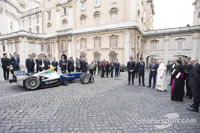 Papa Francisco y Alejandro Agag, CEO Fórmula E