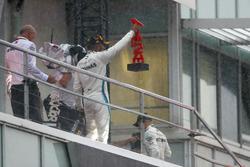 Podio: Lewis Hamilton, Mercedes AMG F1