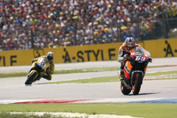 Nicky Hayden, Repsol Honda Team; Colin Edwards, Yamaha Factory Racing