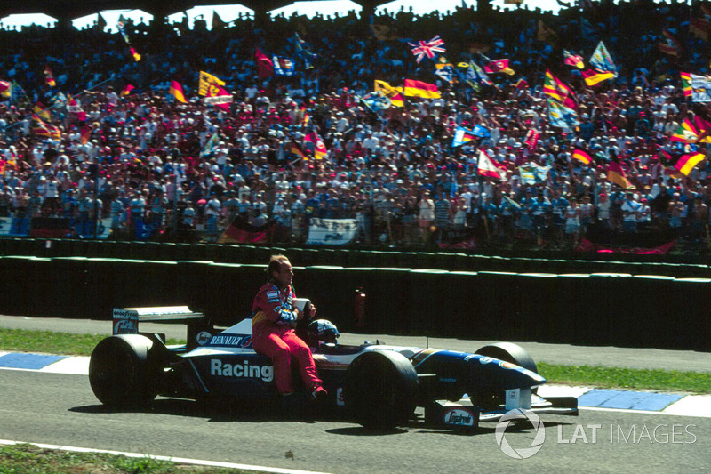 Hockenheim 1995 : David Coulthard (Williams) carica Rubens Barrichello (Jordan)
