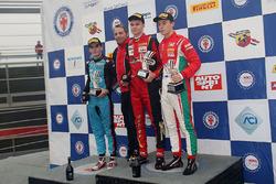 Подиум второй гонки, Артем Петров (DR Formula,Tatuus F.4 T014 Abarth #42), Йоб ван Уйтерт (Jenzer Motorsport,Tatuus F.4 T014 Abarth #16), Маркус Армстронг (Prema Power Team,Tatuus F.4 T014 Abarth #9)
