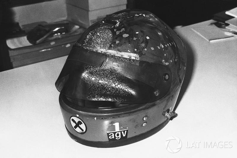 El casco quemado de Niki Lauda, Ferrari