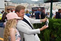 Nico Rosberg, Mercedes-Benz Ambassador with a fans
