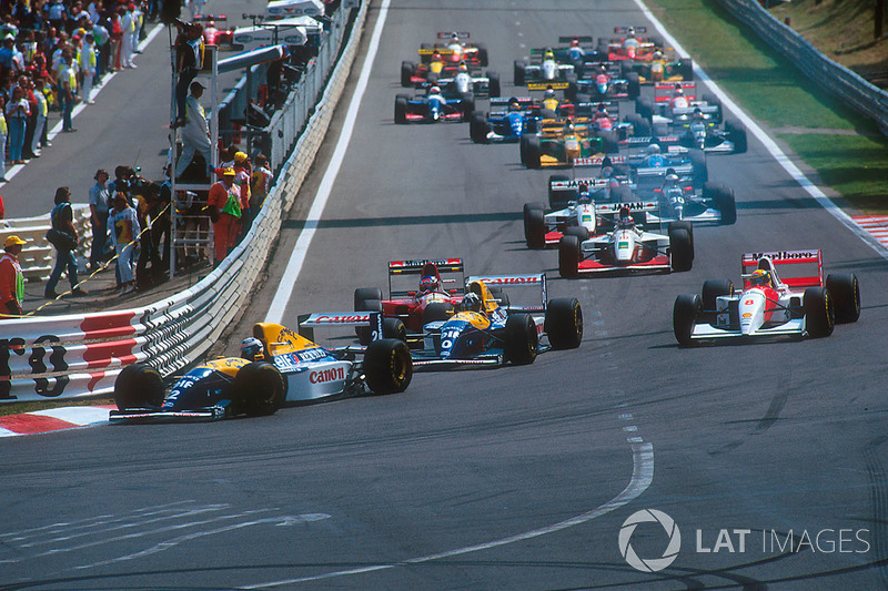 Start: Alain Prost, Williams FW15C, leads Damon Hill, Williams FW15C, Ayrton Senna, McLaren MP4/8