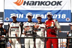 Podium 991-Pro: Winners #62 FACH AUTO TECH Porsche 991-II Cup: Matt Campbell, Julien Andlauer, Thomas Preining, Jens Richter