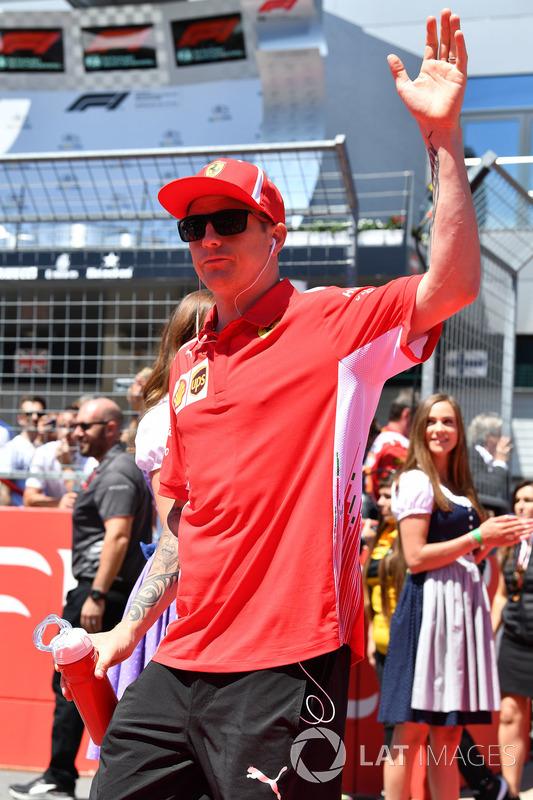 Kimi Raikkonen, Ferrari on the drivers parade