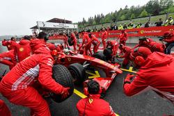 Davide Rigon sulla Ferrari F60 durante il Ferrari Show