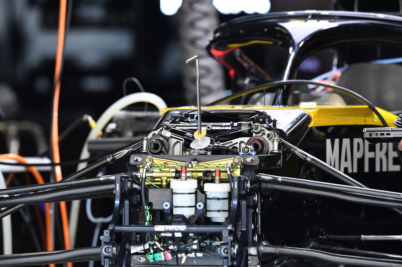 Renault Sport F1 Team RS18 front suspension and chassis detail
